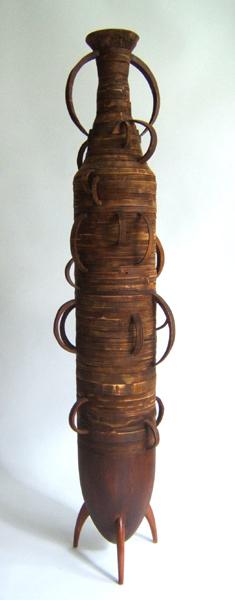 Marion Kieft - Amfoor, 2005 - wood - 25 x 25 x 161 cm
