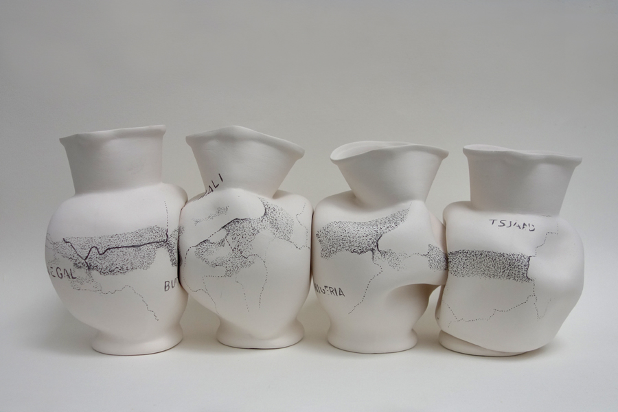 Marion Kieft - Untitled, 2016 - pottery - ca 15 x 15 x 40 cm