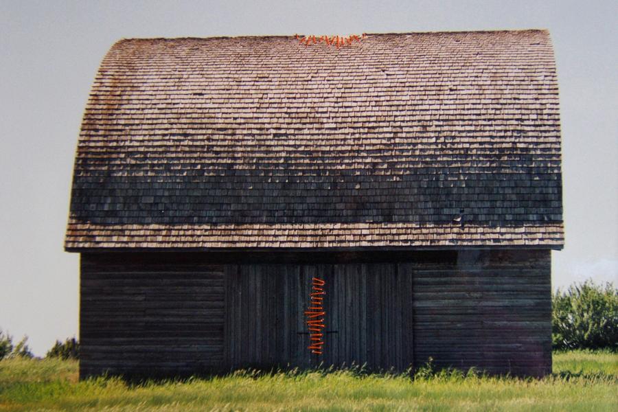 Marion Kieft -Intervention 7, Canada 2004 - met garen bewerkte foto - 20 x 30 cm
