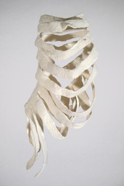 Marion Kieft - Thorax, 2011 - felt - 20 x 25 x 45 cm